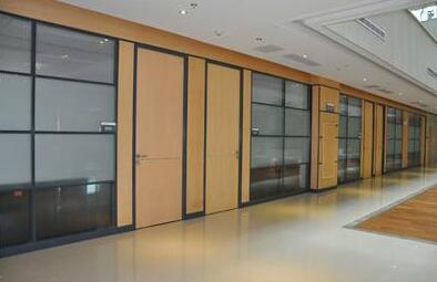 二次规划办公空间上海办公家具的选择