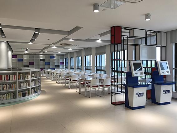 上海交大附中图书馆案例